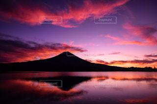 自然,風景,空,富士山,湖,太陽,山,反射,夜明け,光,日の出