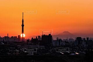 風景,空,富士山,屋外,太陽,夕暮れ,スカイツリー,光,タワー,高層ビル,明るい,都市の景観