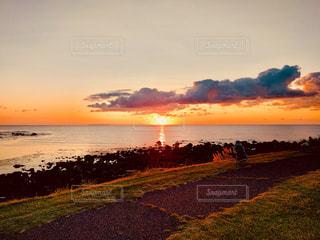 海に沈む夕日の写真・画像素材[1504740]
