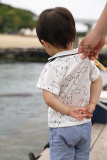 イルカ,後ろ姿,子供,観光,赤ちゃん,男の子,お出かけ,半袖