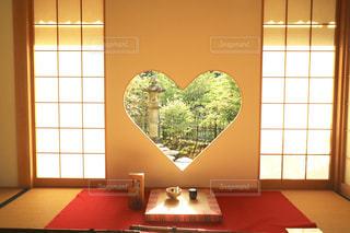 ハートの窓の写真・画像素材[2265271]