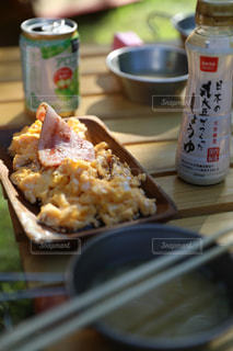キャンプの朝食の写真・画像素材[2482502]