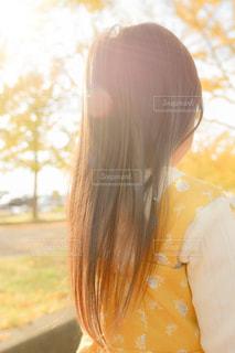 絡まりやすい子供の髪もサラサラの写真・画像素材[1612863]