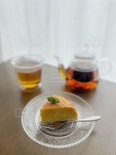 ケーキ,朝食,屋内,紅茶,美味しい,おうちカフェ,ドリンク,焼き菓子,ファストフード,カステラ,みりん,ソフトド リンク,台湾カステラ,タカラ