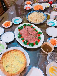 秋,屋内,食,ローストビーフ,食欲,カニピラフ,ほうれん草のキッシュ,にんじんサラダ