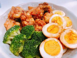 食べ物,食事,ブロッコリー,卵,肉,鶏肉,手羽元,甘辛煮
