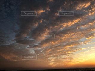 風景,空,屋外,雲,夕焼け,夕暮れ,幻想的,季節,オレンジ,道,旅行,秋空,フォトジェニック,移ろい,移り変わり,レジャー・趣味