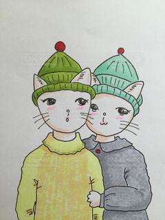 色違いの帽子をかぶるネコの姉妹。にゃあはん。の写真・画像素材[1606170]