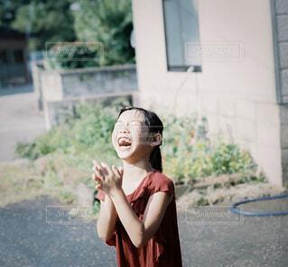 大笑い中の写真・画像素材[3627195]