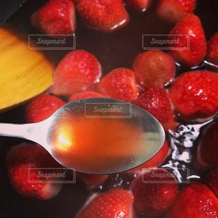 ジャム,手作り,味見,イチゴ,煮込む,甘くて赤い,ことこと煮込む