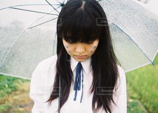 傘を持っている人の写真・画像素材[1791867]