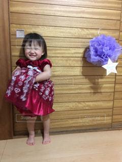 赤ドレスの写真・画像素材[2170380]