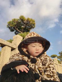 帽子をかぶった赤ちゃんの写真・画像素材[2919886]