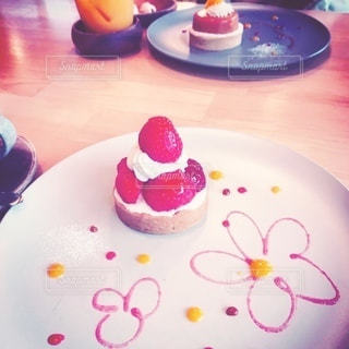 可愛いケーキの写真・画像素材[3402525]