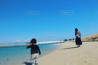海,空,沖縄,子供,母親,ツーショット