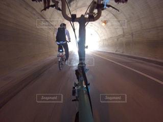 男性,秋,自転車,スポーツ,サイクリング,ミニベロ,ポタリング,スポーツの秋