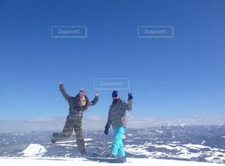 雪山でジャンプ♪の写真・画像素材[2966680]