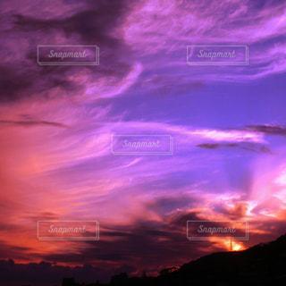 今年いちばんの夕焼けの写真・画像素材[1685383]