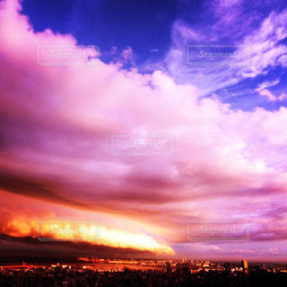 空の雲のクローズアップの写真・画像素材[2416802]
