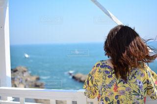 女性,自然,海,後ろ姿,水,人物,背中,人,風
