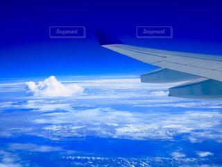 雲を見下ろすの写真・画像素材[2412519]