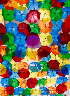 カラフルな傘の写真・画像素材[1544147]