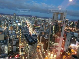 夜の街の景色の写真・画像素材[1565425]