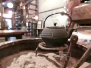 近くのテーブルでパンのアップの写真・画像素材[1655948]