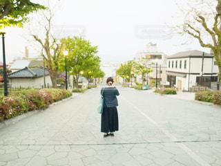 女性,後ろ姿,北海道,女子,旅行,旅,函館,八幡坂