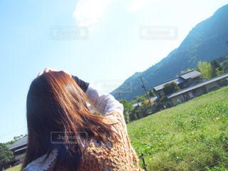 女性,京都,晴れ,青空,後ろ姿,散歩,女,人物,人,ひとり,嵐山,快晴,後ろ,晴れの日