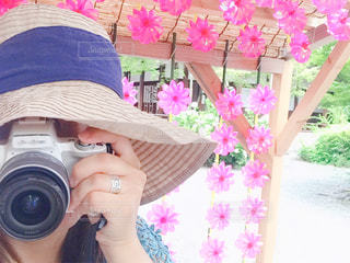 女性,夏,カメラ,自撮り,ピンク,帽子,風車,女,女子,人物,人,セルフ,セルフポートレート,水無瀬,水無瀬神宮