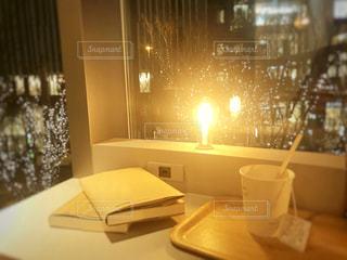 カフェ,窓,本,テーブル,グランフロント,シャンパンゴールド