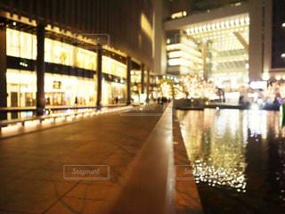 建物,夜,屋内,イルミネーション,都会,高層ビル,明るい,グランフロント,シャンパンゴールド