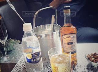 ボトル,ウイスキー,ドリンク,アルコール,飲料,ハイボール,アンバサダー,ソフトド リンク,おうち時間