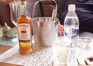 食べ物,テーブル,ボトル,ビール,カップ,ドリンク,アルコール,サントリー,飲料,アンバサダー,アルコール飲料,ソフトド リンク