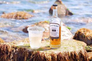 海,空,屋外,水面,ボトル,ウイスキー,ドリンク,アルコール,サントリー,飲料,アンバサダー,アルコール飲料