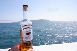 海,空,屋外,ビーチ,水面,ボトル,ビール,ドリンク,アルコール,サントリー,飲料,アンバサダー,アルコール飲料