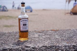 屋外,ビーチ,ボトル,地面,ウイスキー,ドリンク,アルコール,アンバサダー