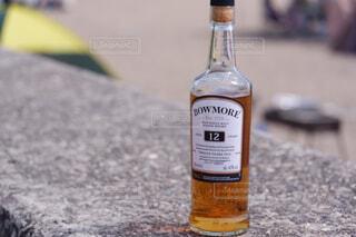 屋外,ボトル,地面,ガラス瓶,ウイスキー,ドリンク,アルコール,アンバサダー