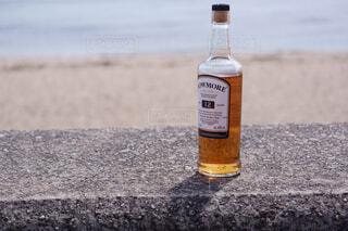 屋外,水面,ボトル,地面,ウイスキー,ドリンク,アルコール,アンバサダー