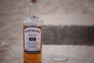 屋外,ワイン,ボトル,ビール,地面,ウイスキー,ドリンク,アルコール,テキスト,アンバサダー