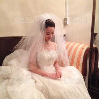 憧れのウエディングドレスに包まれて…の写真・画像素材[1566934]