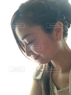 アップスタイルの女性の写真・画像素材[1646578]