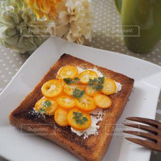 朝食の金柑トーストの写真・画像素材[1763647]