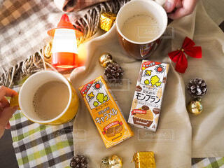 カフェ,カップル,手,家,人,夫婦,二人,おうちカフェ,豆乳,お茶の時間,豆乳飲料,ホッ豆乳,豆乳飲料モンブラン,豆乳飲料キャラメル