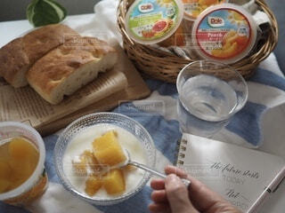 食べ物,朝食,マンゴー,デザート,果物,ヨーグルト,仕事,フルーツヨーグルト,ヘルシーおやつ,フルーツカップ,ご褒美おやつ