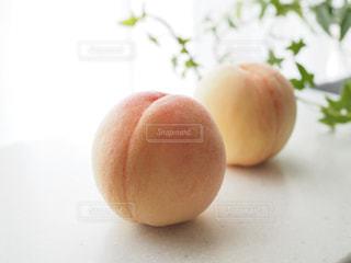 みずみずしい桃の写真・画像素材[1770011]