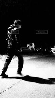 公園,スポーツ,モノクロ,白黒,ボール,サッカー,野外,スポーツの秋
