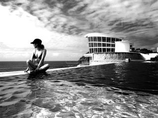 女性,自然,空,海外,プール,水着,人,旅行,グアム,sea,海外旅行,休暇,航海,フォトジェニック,インフィニティープール