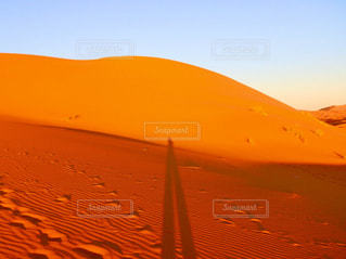 オレンジの夕日の写真・画像素材[1567144]